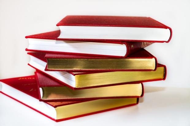 books-3083451_960_720